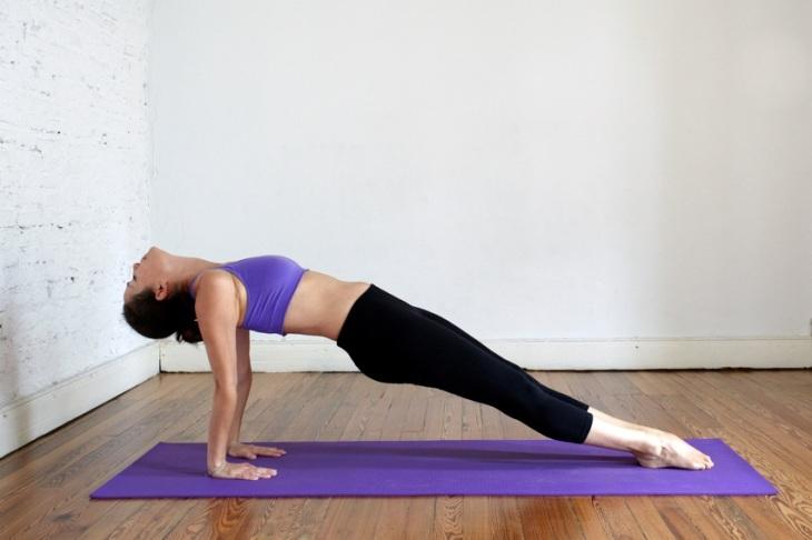 Chloe Michalakis profesora yoga mindfulness San Telmo Buenos Aires